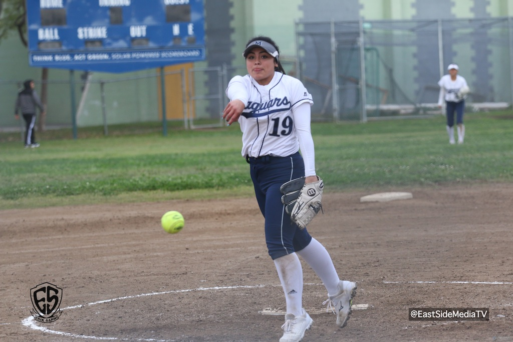 Mendez Lady Jags Open League Play with Victory Over Hollywood